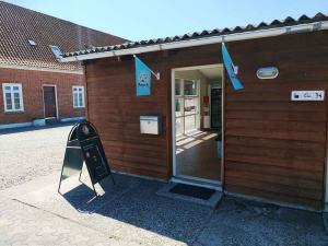 autocamperplads-vestkysten-nissum-fjord-reception